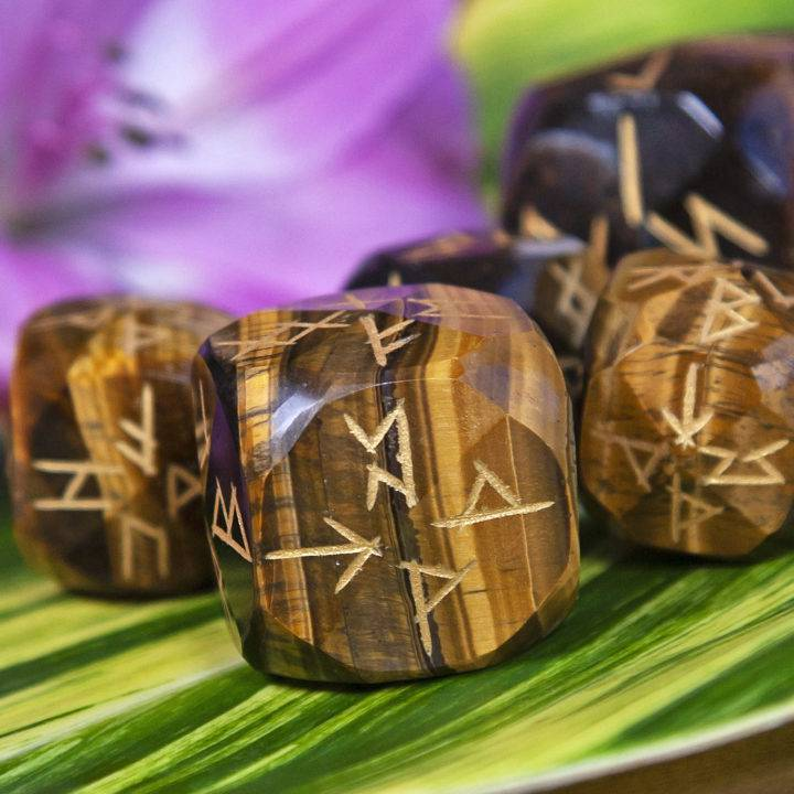 Tigers Eye Rune Dice