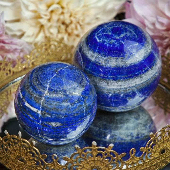 Self-Standing Lapis Lazuli Spheres