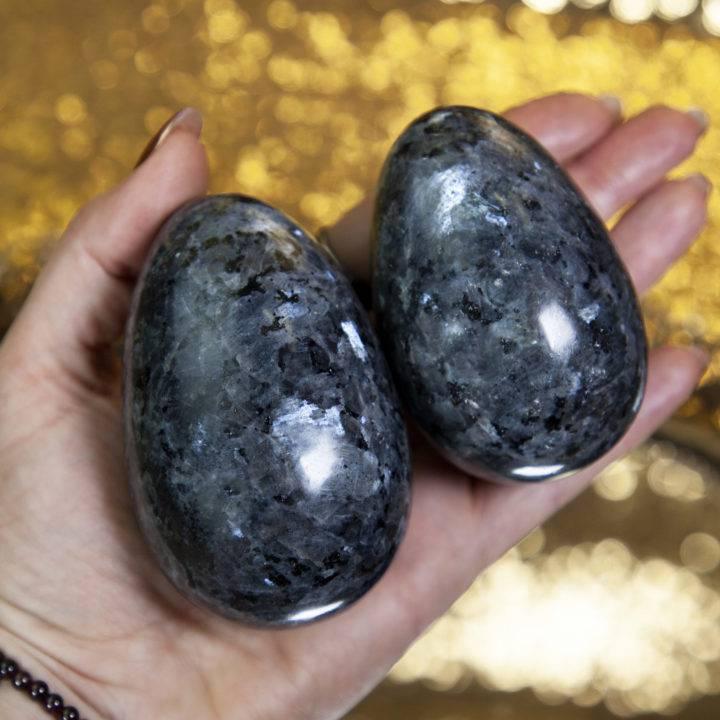 Larvikite Eggs