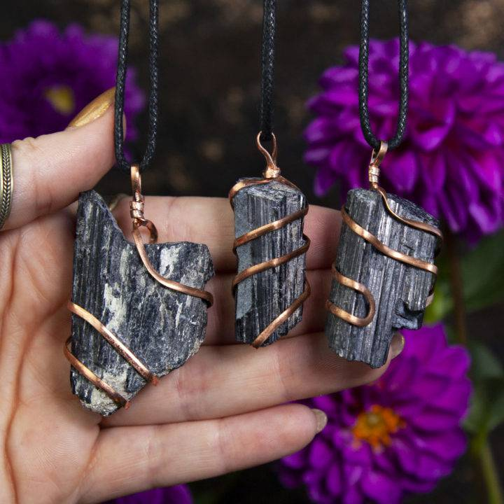 Shielding and Balancing Black Tourmaline with Copper Necklaces
