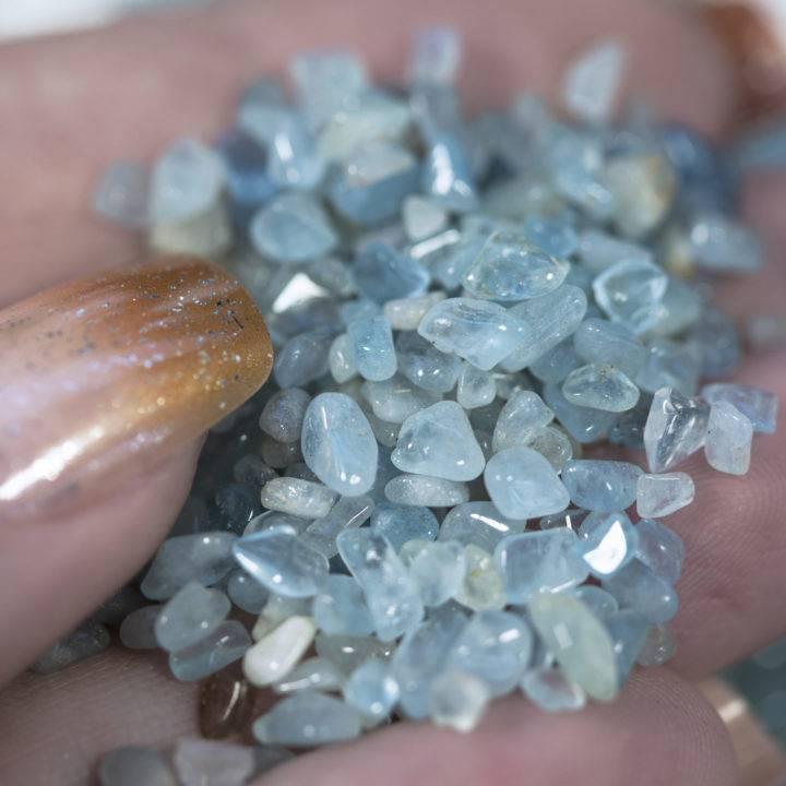 Tumbled Aquamarine Chip Stones