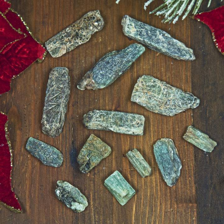 Heart Healing Green Kyanite Blade