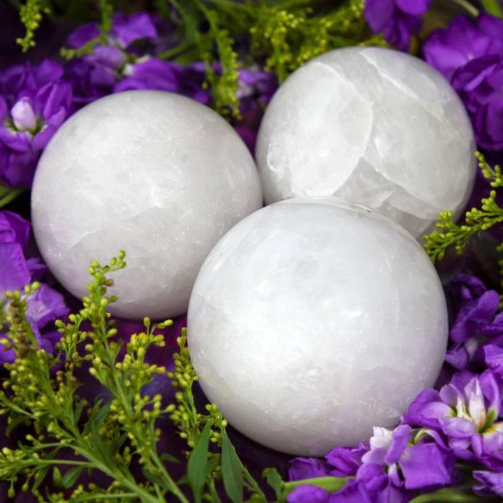 Milky Quartz Amplification Sphere