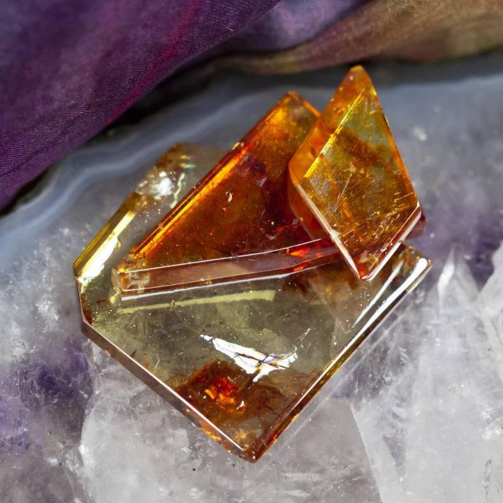Spiritually Grounding Sphalerite Slice with Free Sacra Perfume