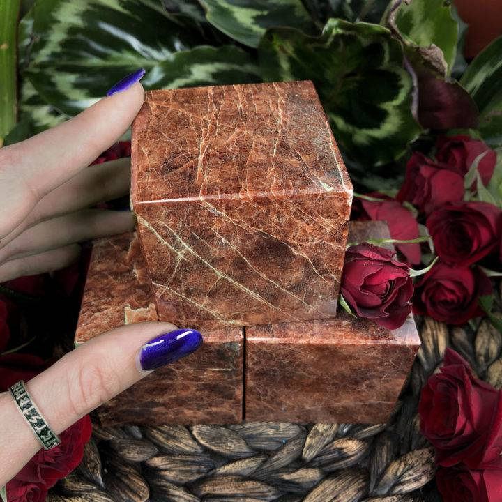 Garnet Protection and Grounding Cube