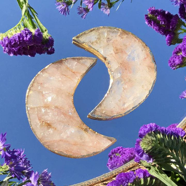 Hemium Quartz Crescent Moon Charging Plate