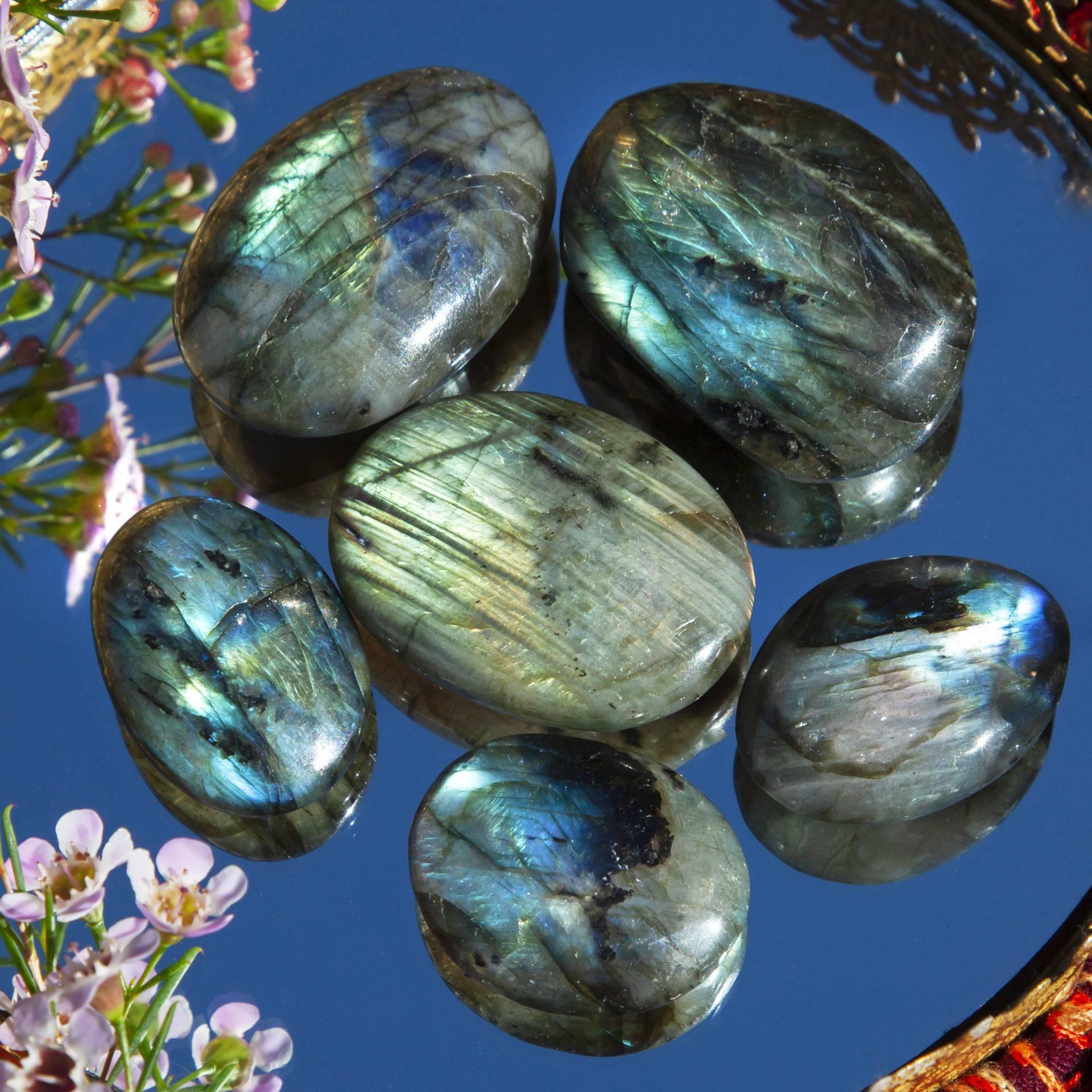 Reiki Healing Crystal Northern Lights in a Stone Labradorite Palmstone