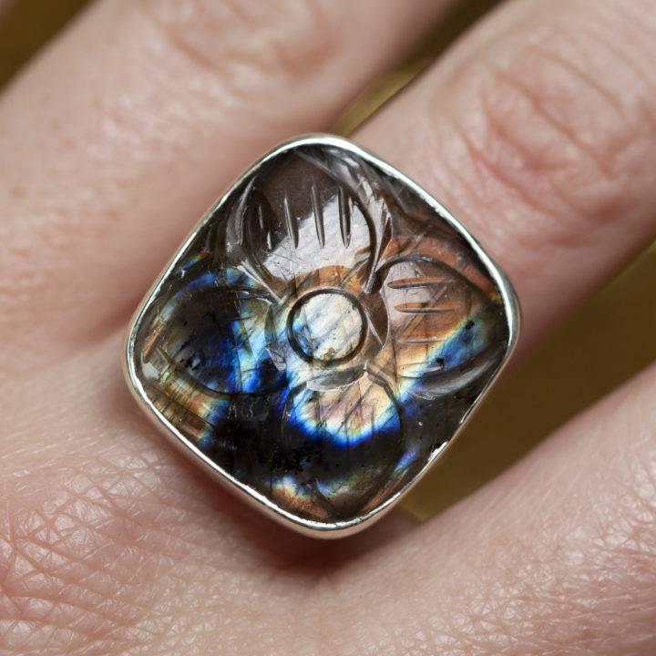 Labradorite Carved Sterling Silver Ring