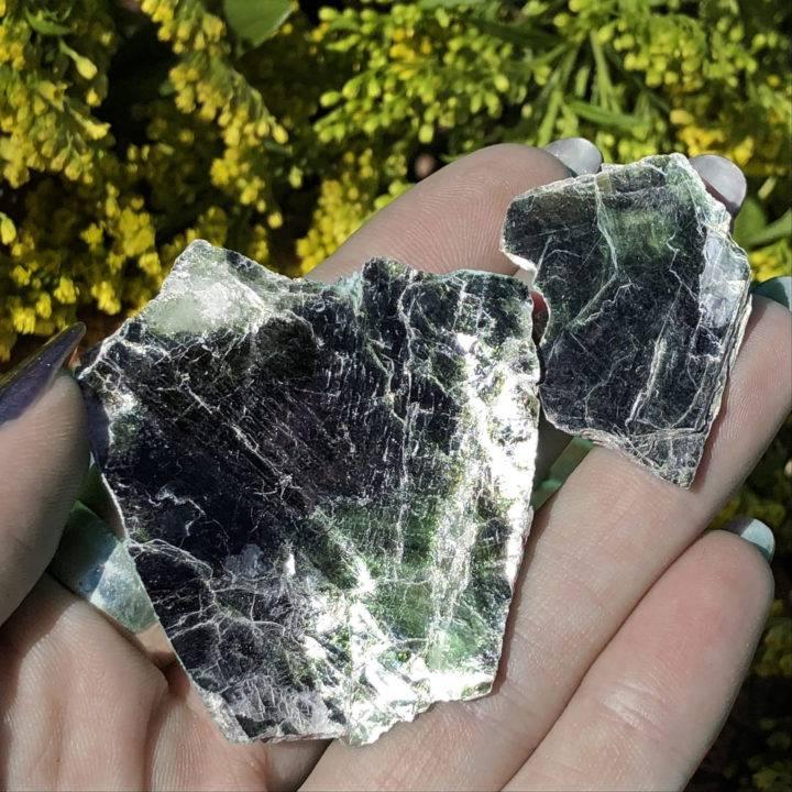 Natural Roscoelite