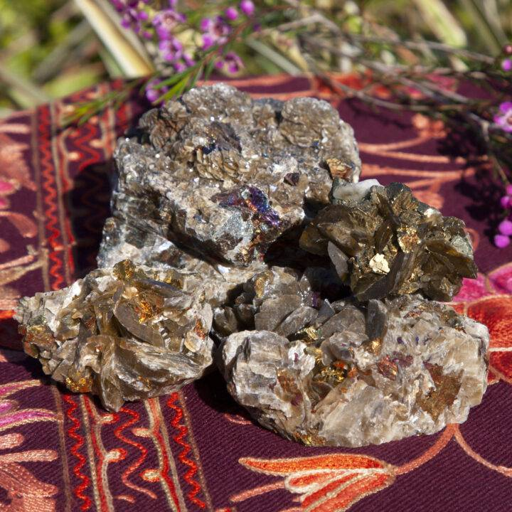 Natural Siderite with Chalcopyrite