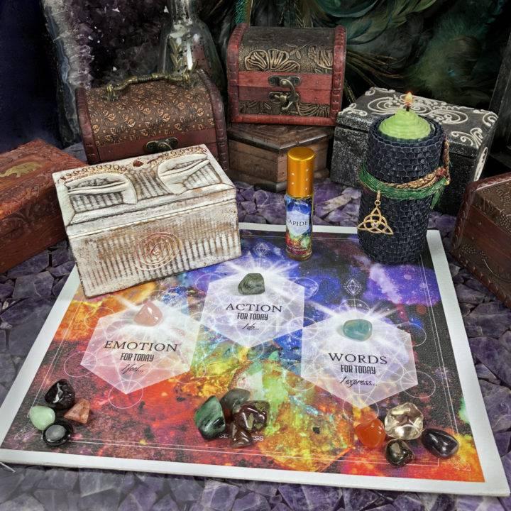 New Moon Divination Magic Gemstone Reading Box Set
