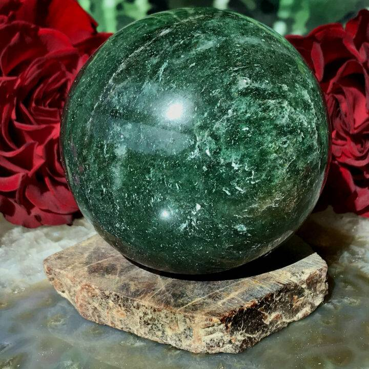 Grounding Garnet Sphere Stand