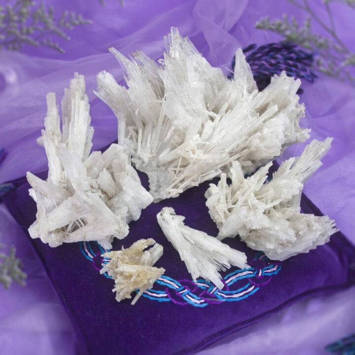 Lineage Healing Scolecite Cluster