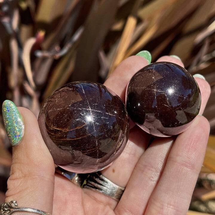 Ultimate Grounding Star Garnet Mini Sphere