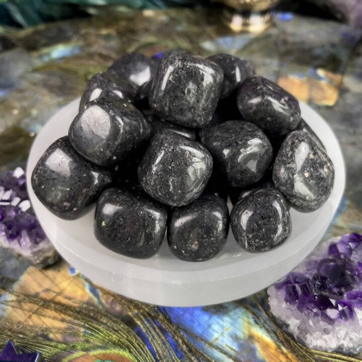 Medium Tumbled Nuummite